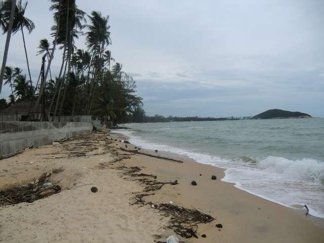 "der Strand ""Lipa Noi"" linksseitig"